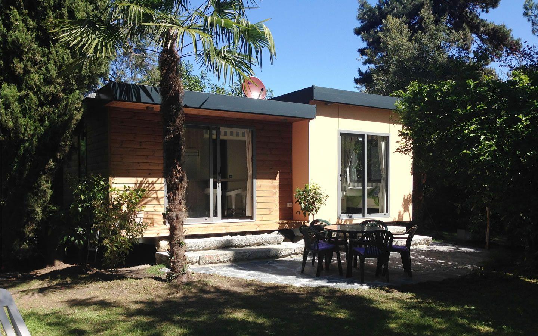 luxus mobilheim 45 m2 cannobio camping riviera. Black Bedroom Furniture Sets. Home Design Ideas