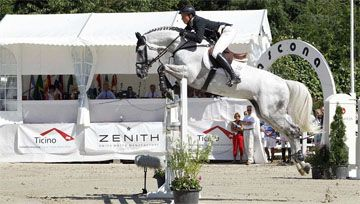INT. Horse Jumping Competition